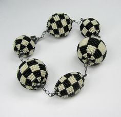 Beaded Bead bracelet - checkerboard black and white