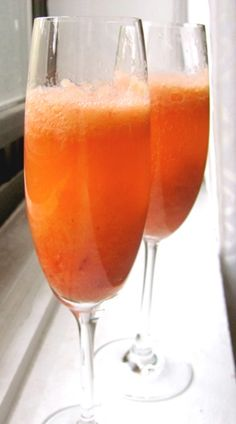 Strawberry-Rhubarb Bellini Recipe