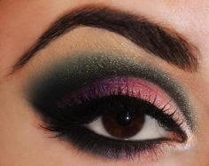 Perfect brow and the lighter shade on the lid helps to give the eye a bigger, brighter appearance. If the lid is all dark, it will make the eye appear smaller. Good to know for those of us that do not have as much lid showing when we look straight ahead as she does.