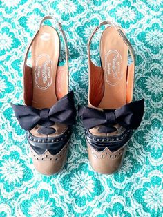 Oxford Heels, Patent Leather Pumps, Vanity Fair, Chanel Ballet Flats, Vintage Black, Black And Brown, My Etsy Shop, Check, Shoes