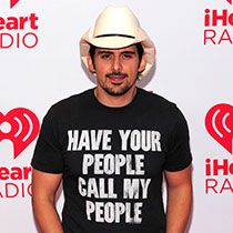 "Brad Paisley Drops Video for ""Beat this Summer"" Watch Here! - Getting his fans ready for the warm summertime, Brad Paisley released the video for his song ""Beat this Summer"" on Friday (April Set in the p Bobby Bones, Country Music News, Brad Paisley, You Videos, Got Him, Summertime, Songs, Celebrities, Dates"