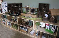 Awesome nature table - Reggio - ignore the bible crap on the page. Classroom Setting, Classroom Design, Classroom Organization, Classroom Decor, Outdoor Classroom, Preschool Science, Preschool Classroom, In Kindergarten, Learning Spaces