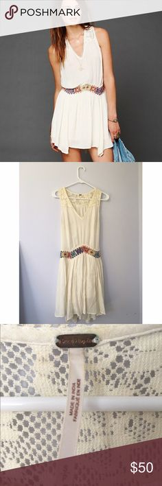🌸Free People Embroidered Dress🌸 Beautiful unworn free people dress! Very unique and sold out everywhere. Size small but is very flowy so can fit a size medium as well. Make me an offer! 💕 #boho #hippie #freepeople #festival #dress #unif #urbanoutfitters #embroidered #fp Free People Dresses