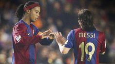 """Ronaldinho: """"Messi no está en crisis, es el mejor jugador del mundo"""""""