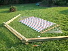 credit: Here Comes The Sun [http://www.herecomesthesunblog.net/diy-hammock-stand/]