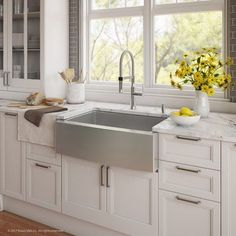 Kraus sinks add flair to any modern kitchen decor. Handcrafted from premium stainless steel for maximum durability, this farmhouse sink is a new twist on the classic apron front design. The extra-deep basin easily fits your largest cookware Rustic Kitchen Sinks, Apron Sink Kitchen, Kitchen Sink Faucets, New Kitchen, Kitchen Decor, Farmhouse Sinks, Farmhouse Style, Farmhouse Budget, Awesome Kitchen