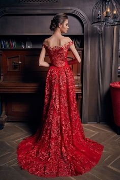 robe de soirée rouge avec traîne Formal Dresses For Weddings, Wedding Dresses, Luxury Lifestyle Fashion, Red Gowns, Creation Couture, Mermaid Prom Dresses, Red Wedding, Beautiful Gowns, Designer Collection