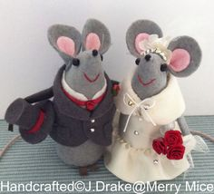 Felt Wedding Mice - Winter Bride & Groom- Cheese Tower/ Cake Topper/ Gift