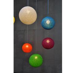 Stort udvalg af Happy Lights lysbolde som er lampeskærme der fås i flere flotte farver og størrelser. Bestil Happe Lights online her.
