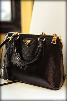 Borse on Pinterest | Prada, Dolce \u0026amp; Gabbana and Damien Hirst