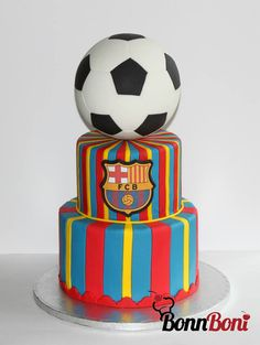 Messi FC Barca Soccer ball cake - Emblem printed image :) Birthday Cake Kids Boys, Hubby Birthday, Soccer Birthday, Boy Birthday Parties, Birthday Cakes, Barcelona Soccer Party, Barcelona Cake, Soccer Ball Cake, Soccer Cakes