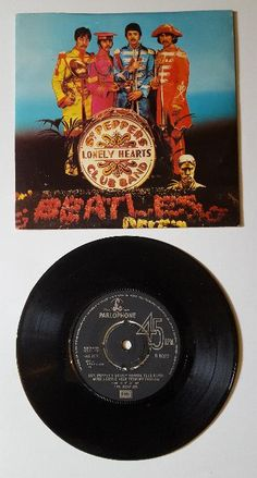 The Beatles - Sgt Pepper / A Day In The Life - UK 45 Single w/ picture sleeve