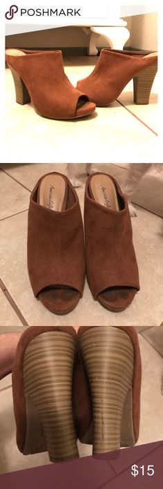 👡Tan Suede Mules 👡 Super cute tan suede mules perfect for a casual or date night look 😊 only worn a handful of times because they hurt my feet. Good condition! Accepting offers Size 5 American Eagle by Payless Shoes Mules & Clogs