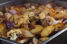 τα μυστικά του μπριαμ Vegetarian Recipes Easy, Snack Recipes, Cooking Recipes, Healthy Recipes, Healthy Meals, Cooking Tips, Snacks, Briam, Greek Cooking