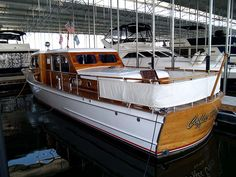Boat Plans 492088696767533380 - Antique Boat America / Antique Boat Canada Source by remicastrejon Plywood Boat Plans, Wooden Boat Plans, Speed Boats, Power Boats, Classic Wooden Boats, Classic Yachts, Cabin Cruiser, Vintage Boats, Boat Covers
