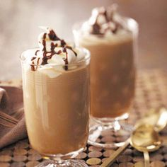 ICED MOCHA Frappuccino. An easy house recipe to make at home for beginners, this recipe is a great go-to in summer when you need a chilling refreshment.