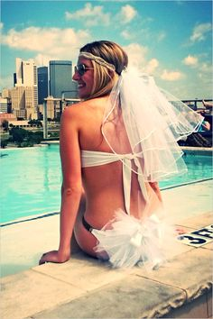 10 Bachelorette Party Must Haves @weddingchicks