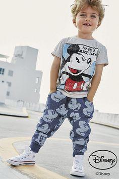 Mickey Mouse nas roupas, mas com estilo!
