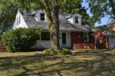 Active Home - 322 41st St NE, Cedar Rapids, IA 52402 - Coldwell Banker Hedges Realty