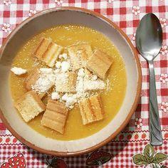 Vellutata di zucca e patate!  #goodlunch #vellutata #zucca #patate #pane #buonpranzo #picoftheday #foodlover #foodporn #foodofinstagram #justfood #instafood #instalife #loveisintheair #loveiseverywhere #love #cooking #pranzo #instamoment #instagram #instaoftheday #pumpkin #potato #october #welcomebackoctober #autumn 🎃🍜  Yummery - best recipes. Follow Us! #foodporn