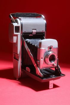 dab014a9a2bba 8 Best Vintage Polaroid camera images in 2014 | Vintage polaroid ...