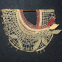 Prodané zboží uživatele Palička | Fler.cz Needle Lace, Bobbin Lace, Lace Jewelry, Jewellery, Lace Heart, Lace Making, Lace Detail, Crochet Necklace, Patterns