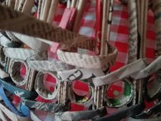 Lampada da soffitto con le cannucce shabby ~ Centomilaidee Newspaper Crafts, Picnic, Basket, Shabby, Diy, Tutorials, Tinkerbell, Journaling, Hampers