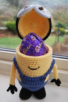 Who's hoping for Minions of Easter Eggs?! Free crochet Easter Egg holder pattern at Slightly-Sheepish.