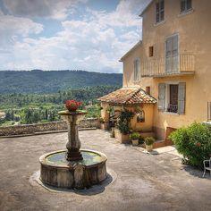 Paisaje rural en La Provenza #Francia. Foto de Salva Barbera by lonelyplanet_es