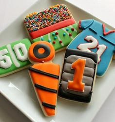 Football Cookies - Perfect for your next Superbowl party, regardless of who you're rooting for.