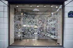 Noel x Colette. Nice and simple window display.