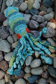 Ravelry: Project Gallery for Amigurumi Crochet Squid pattern by Nicole Bilby