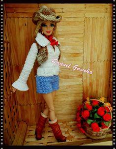 rachelcrochet.wordpress.com #Country #Barbie #Cléa5 #Crochet #Roupa #Doll #Muñeca #Sombrero #Chapéu #Shorts ##Blusa #Camisa #Shirt #Colete #Vest #RaquelGaucha