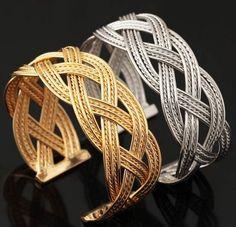 กำไลข้อมือผู้หญิง กำไลทอง 18 K และ กำไลเงิน Platinum ออกแบบ เป็น ลายสาน ไขว้กัน กำไลทอง แฟชั่น สุดหรู ใส่ได้ทุกงาน ของขวัญให้แฟน 960132