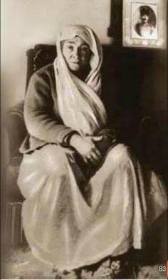 Ulu önder Mustafa Kemal Atatürk'ün annesi Zübeyde Hanımın vefatının 93. yılında sevği ve sayğıyla anıyorum.