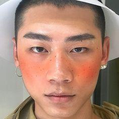 Madeofwhitebone: Boy blush: A Makeup Mood Male Makeup, Makeup Art, Beauty Makeup, Makeup Inspo, Makeup Inspiration, Glitter No Rosto, Pretty People, Beautiful People, Ulzzang