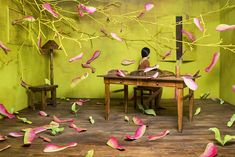 We discovered artist JeeYoung Lee back in December 2013 and fell in love with the landscapes she creates in her tiny studio in Seoul, Korea. Without relying on Photoshop, she manages to make her creative vision into a reality, using her scenes to Kim Joon, Photoshop, Sandy Skoglund, Jimmy Nelson, Illustration Manga, Instalation Art, 3d Modelle, Colossal Art, Art Moderne