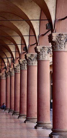 Sotto il portico: Bologna, Province of bologna, Emilia Romagna region Italy