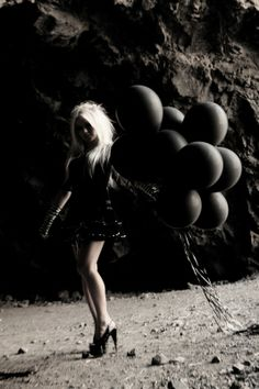 kerli and her black balloons Its A Girl Balloons, Black Balloons, Latex Balloons, Balloons Photography, Dark Photography, Ghost Faces, Gothic Rock, Autumn Inspiration, Makeup Inspiration