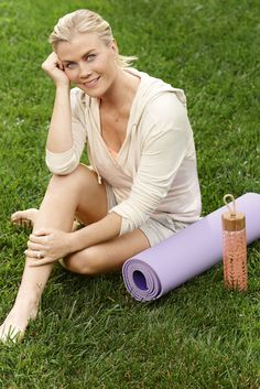 4 Easy Ways to Get More Energy Without More Caffeine Dog Nutrition, Fitness Nutrition, Healthy Eating Habits, Get Healthy, Alison Sweeney, Getting More Energy, How To Start Yoga, Natural Energy, Healthier You