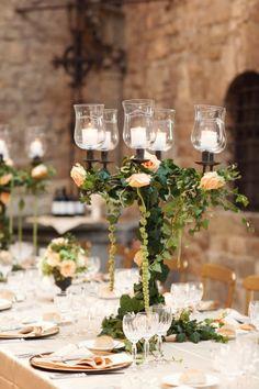 Wedding table decoration Italian wedding inspiration Flowers and candle Italy romantic! Mod Wedding, Wedding Table, Wedding Reception, Dream Wedding, Geek Wedding, Wedding Dinner, Wedding Rehearsal, Garden Wedding, Wedding Bride