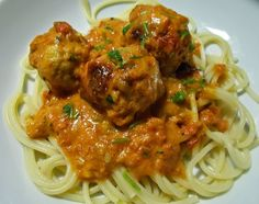 Kandi, Pasta Dishes, Spaghetti, Food And Drink, Meat, Chicken, Ethnic Recipes, Noodle, Cubs