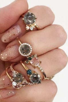 Jewellery | Gold jewellery | Glitter | Diamonds | Nailpolish | Nails | Nail art | Gold glitter | Rings | Gold rings | Gouden ringen | Diamant | Glittersteen | Inspiration | More on Fashionchick