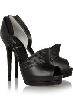 Black heel pumps | FENDI | La Beℓℓe ℳystère