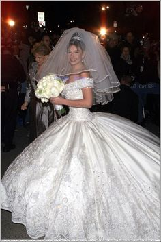 صور فساتين زفاف الفنانات