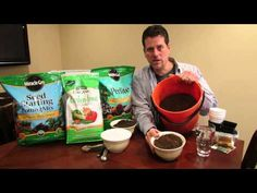 How to Make Your Own Seed Starting Mix and Potting Mix: Save – The Rusted Garden 2014 – Famous Last Words Veg Garden, Garden Care, Lawn And Garden, Organic Fertilizer, Organic Gardening, Gardening Tips, Urban Gardening, Starting Vegetable Seeds, Seed Starting
