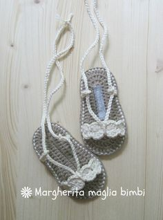 Baby Crochet Sandals Photo Props 65 New Ideas Crochet Baby Socks, Crochet Baby Blanket Beginner, Crochet Baby Sandals, Knit Baby Booties, Crochet Baby Clothes, Newborn Crochet, Crochet Slippers, Crochet For Kids, Baby Knitting