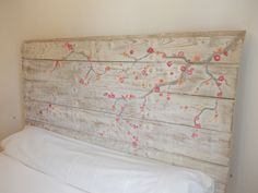testata letto #decorata stile #shabbychic / Cabecero rústico shabby / Rustic shabby Headboard | Bohemian and Chic