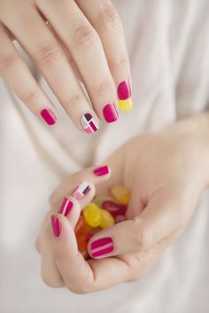 Tuto Nail Art Facile : Madison Square - Tutoriel - We Love Nail Art
