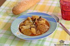 Patatas con bacalao y níscalos: un guiso para los días de frío
